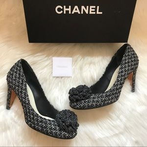 Authentic CHANEL Logo Tweed Wool Camellia Pumps